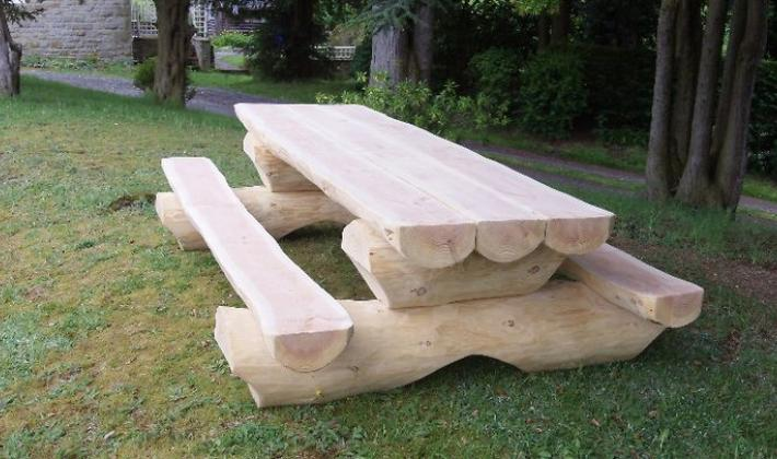 Unique Log Picnic Tables. « Previous | Next »