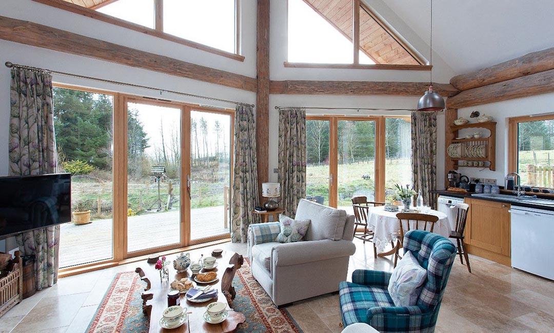 Fiddlehill log home interior 1