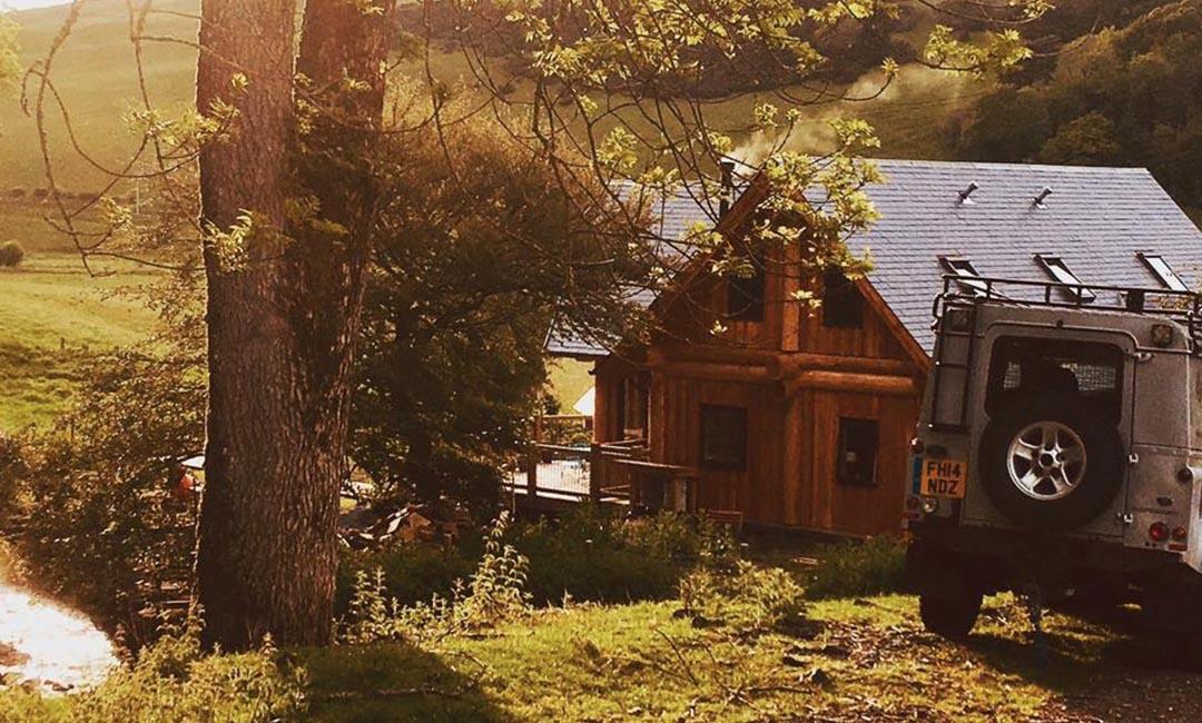 Woodburn dipper log home scotland - approach