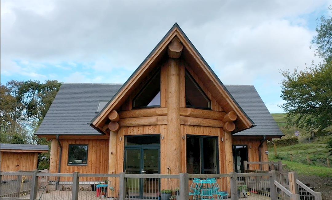 Woodburn dipper log home scotland - prow