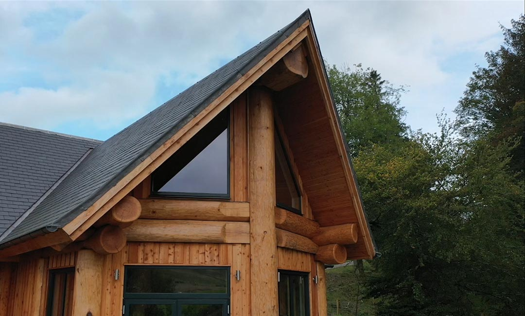Woodburn dipper log home scotland - angle