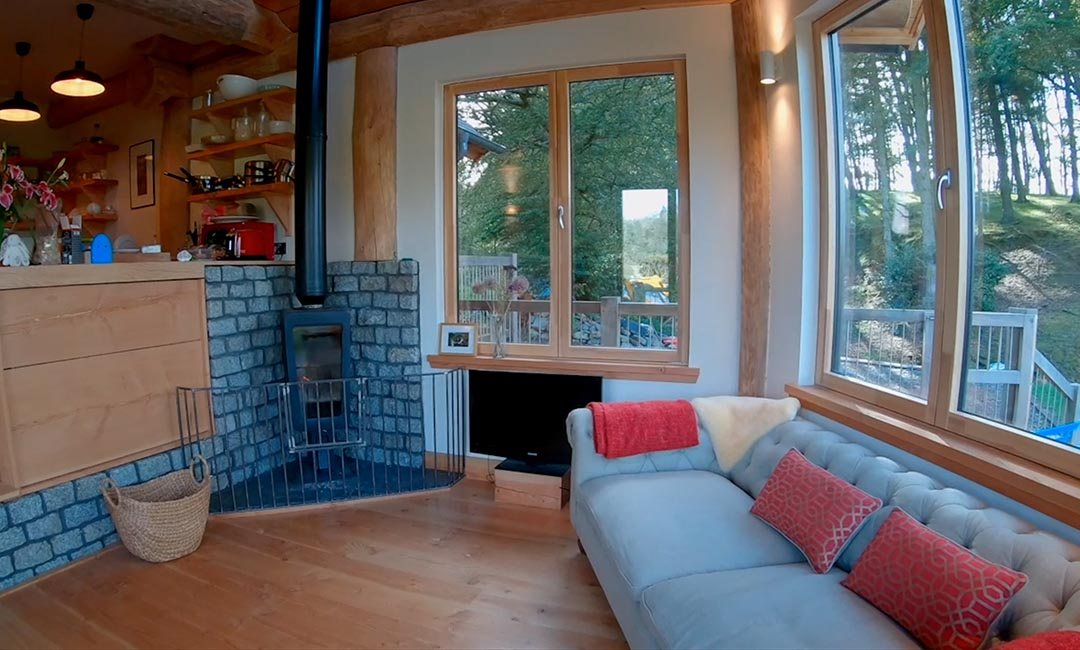 Woodburn dipper log home scotland - living room